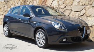 2017  Alfa Romeo Giulietta Hatchback (Grey) Used Car Thumbnail